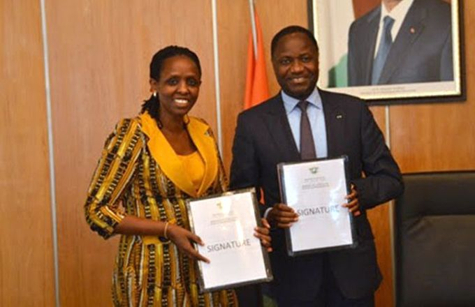 Mme Isabelle Bébéar, directrice à l'international et de l'université de la BPI France,et M. Jean-Marie Acka, président du patronat ivoirien.